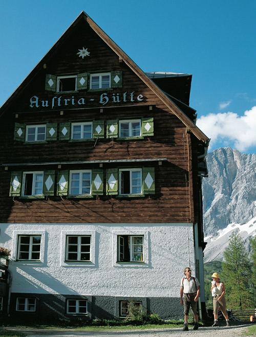 Austriahuette am Dachstein