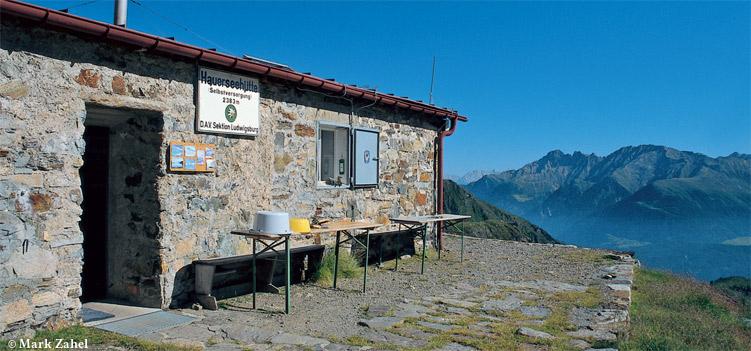 Hauerseehuette Oetztaler Alpen